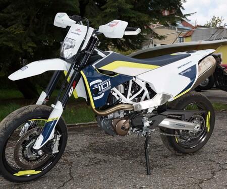 Motorrad-Quartett: Husqvarna 701 Supermoto