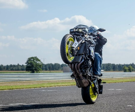 Yamaha MT10 Stuntaction
