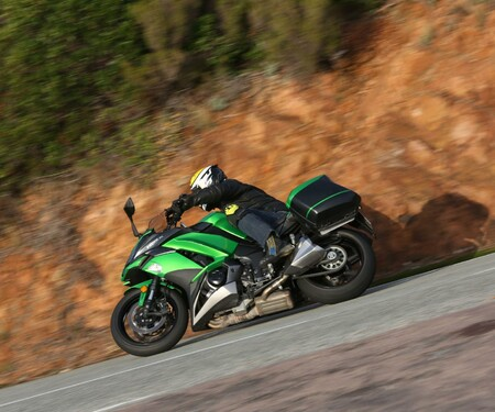 Kawasaki Z1000 SX Test 2017