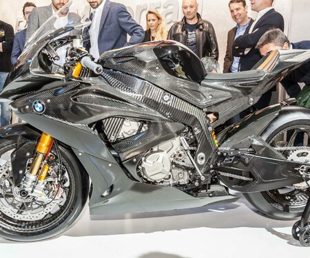 BMW S1000RR HP4 Carbon Race