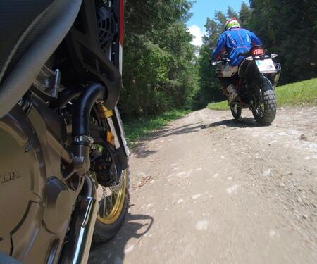 KTM 1090 Adventure R vs. Honda CRF1000L Africatwin