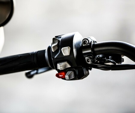Nakedbike Vergleich - Triumph vs. Yamaha vs. Suzuki