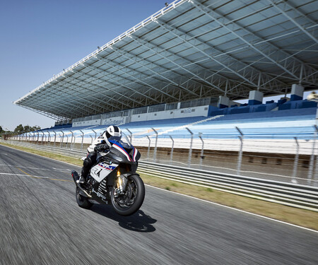 BMW HP4 Race 2017 Test