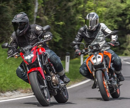 BMW G 310 R vs. KTM Duke 390 vs. Honda CB 500 F