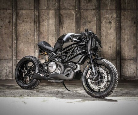 Darth Mostro Ducati M1100 Umbau von K-Speed Customs