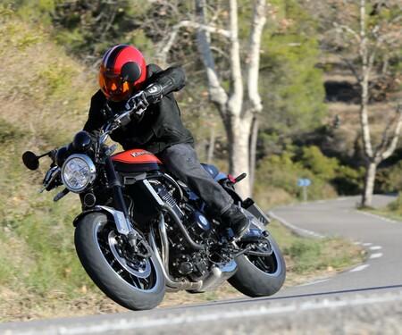 Kawasaki Z900RS 2018 Test
