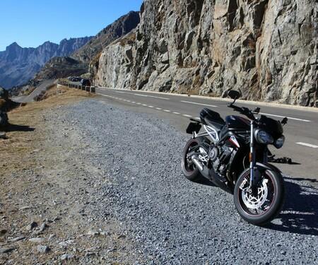 Mit der Triumph Street Triple RS durch die Schweiz