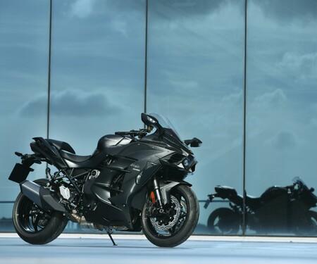 Kawasaki Ninja H2 SX und SX SE Test