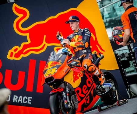Red Bull KTM MotoGP Team Presentation 2018 Hangar 7