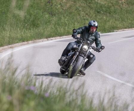 1000PS Bobber Vergleichstest - Triumph Bobber Black