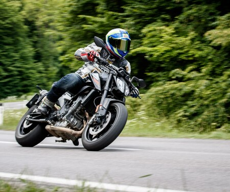 1000PS Naked-Bike Vergleichstest KTM 790 Duke