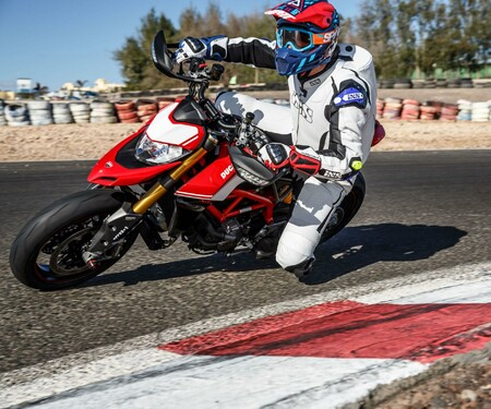 Ducati Hypermotard 950 / SP Test 2019