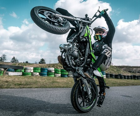 Rieju Freejump 50 Supermoto Stunts & Action