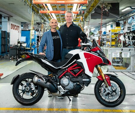 Übergabe der Ducati Multistrada Nummer 100.000