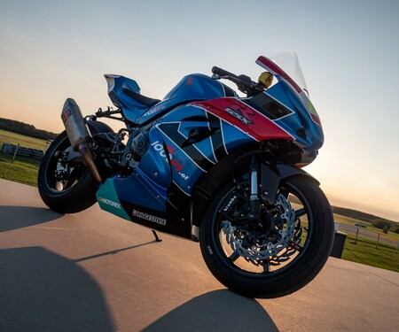 Suzuki GSX-R 1000 NastyGixxer Trackday Umbau Design blau