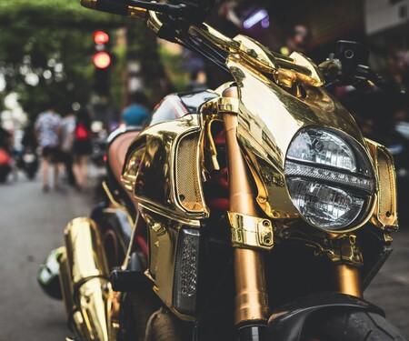Goldene Ducati Diavel StreetFind der Woche