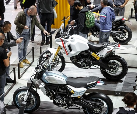Ducati Scrambler Motard und DesertX Concept 2020