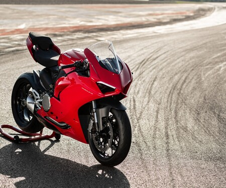 Ducati Panigale V2 2020 Test in Jerez