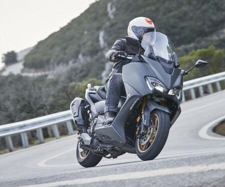Yamaha TMAX 560 und Tech MAX 2020 Test