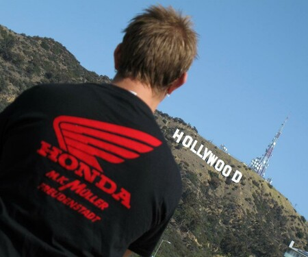Honda MK Müller T-shirt around the world
