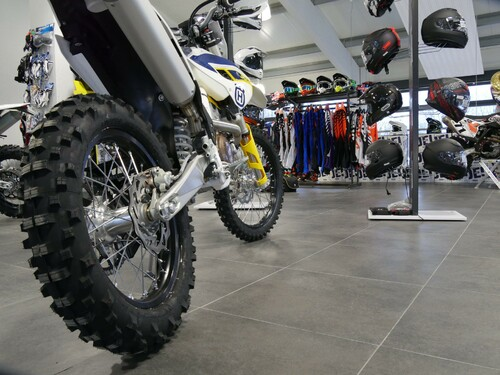 HUSQVARNA Berlin Motorsport Lessing