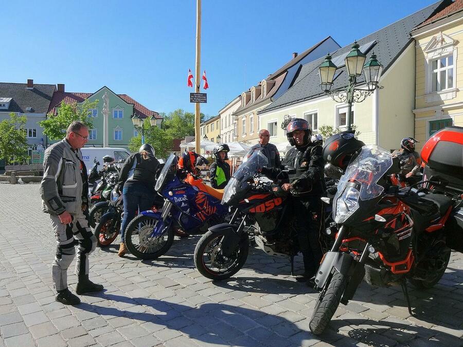 32 motorr der 41 biker innen 300 gefahrene km und tolle. Black Bedroom Furniture Sets. Home Design Ideas