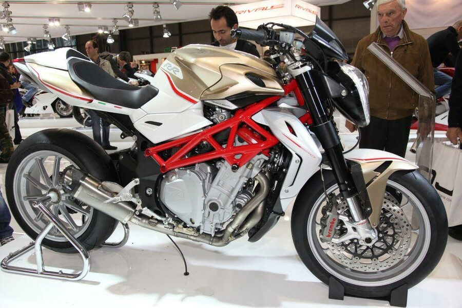 Vergleichstest Naked Bikes Benelli TnT 1130 Sport Evo
