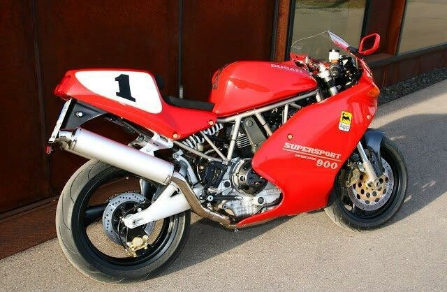 ducati 900 ss historie. Black Bedroom Furniture Sets. Home Design Ideas