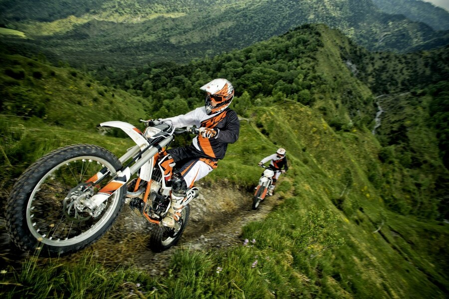 ktm freeride 350 action. Black Bedroom Furniture Sets. Home Design Ideas