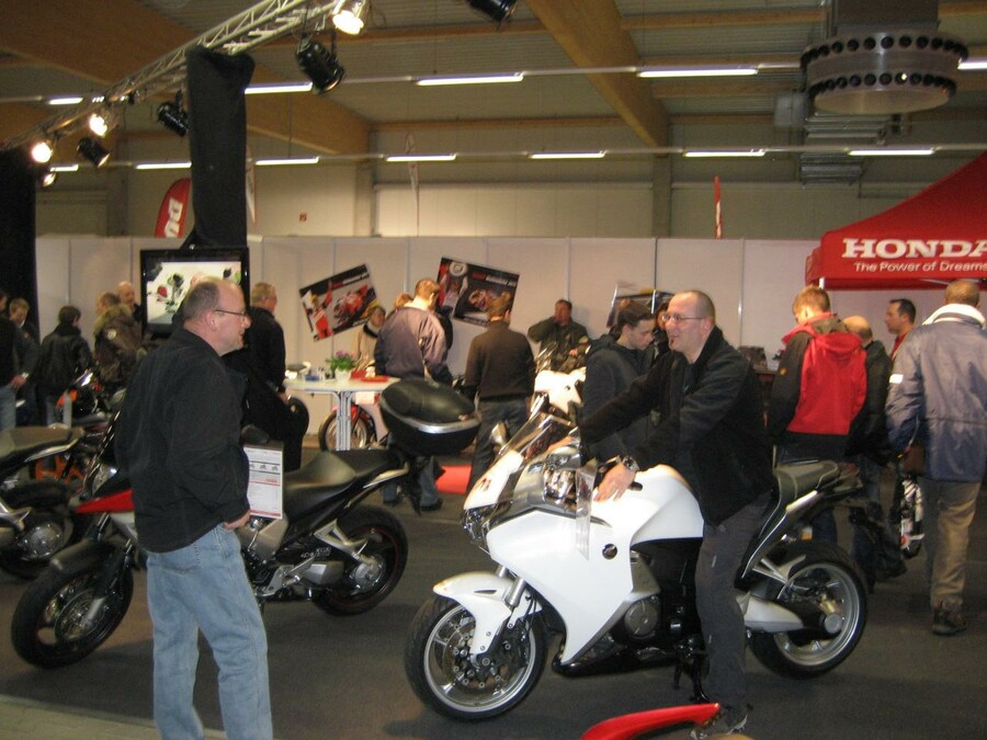 motorrad messe gie en 2012. Black Bedroom Furniture Sets. Home Design Ideas