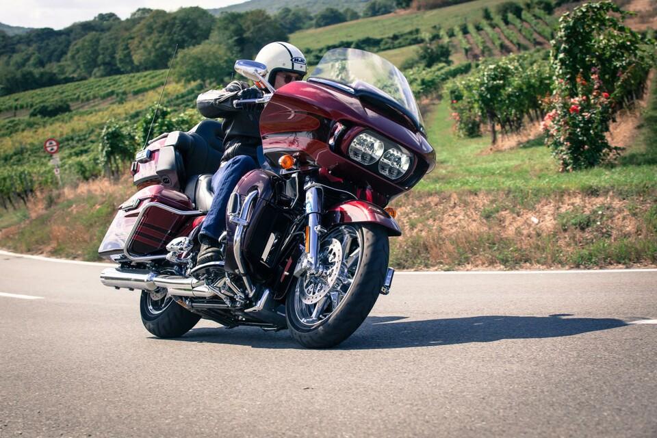 156 nm 1801 ccm 439 kg cvo luxus motorrad news. Black Bedroom Furniture Sets. Home Design Ideas