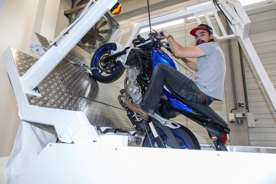 wheelie motorrad lernen