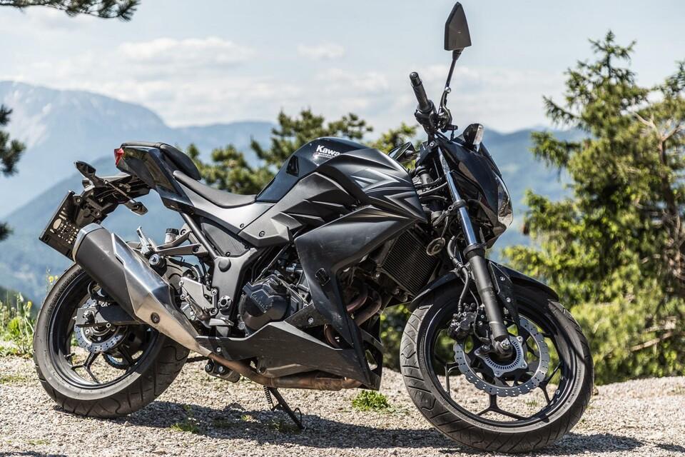 Kawasaki Z Vs Ktm Duke