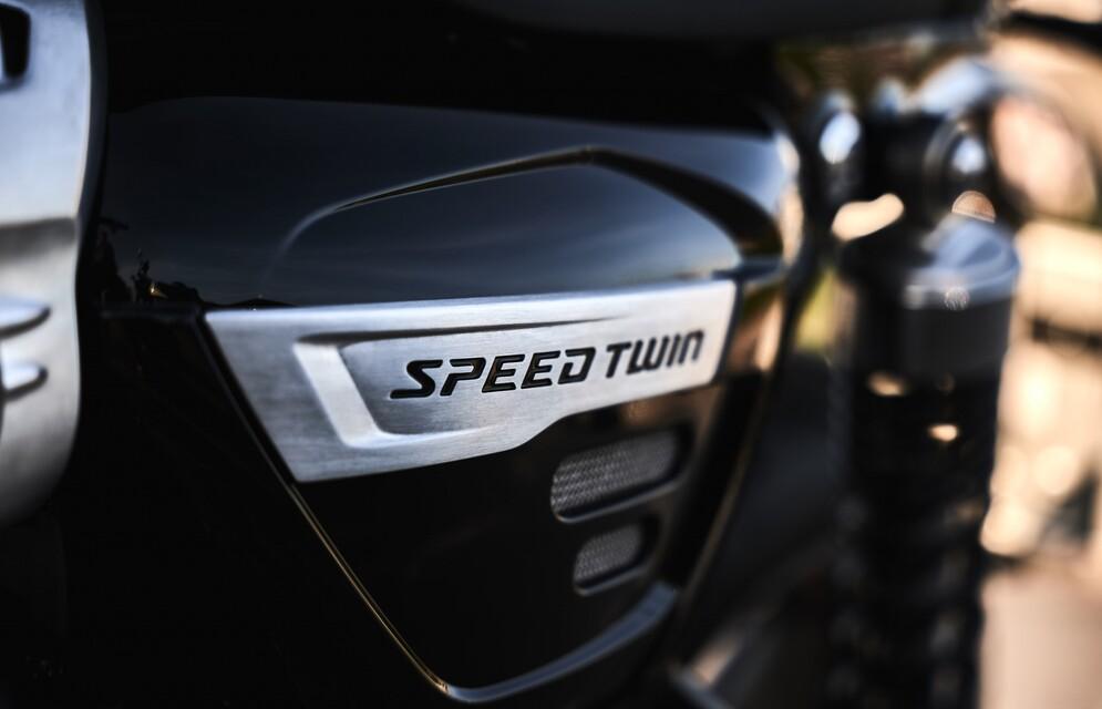 Hans Ripa unterwegs auf Speed Twin